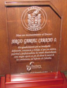 testimonios-reconocimiento-ejercito-a-dr-camacho-hairdoctors