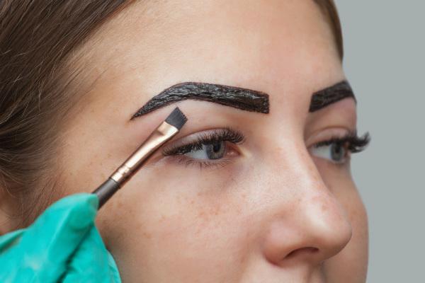 Pigmentación y exceso de maquillaje